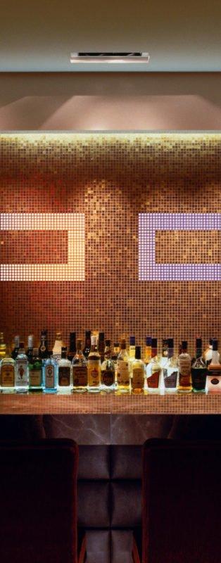 leuchtende mosaik wand