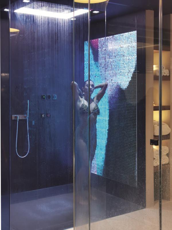 Badbeleuchtung Dusche Mosaik Wand